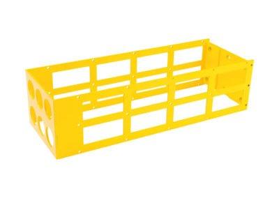 Pièce jaune en tôle acier pliée, peinte en jaune par thermolaquage