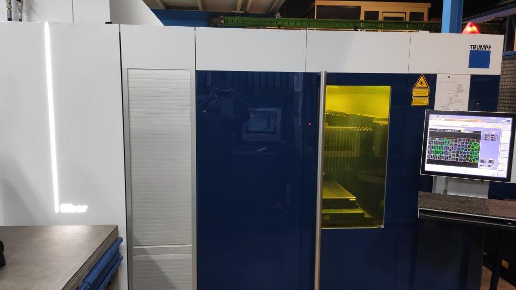 Machine de découpe laser pour tôle