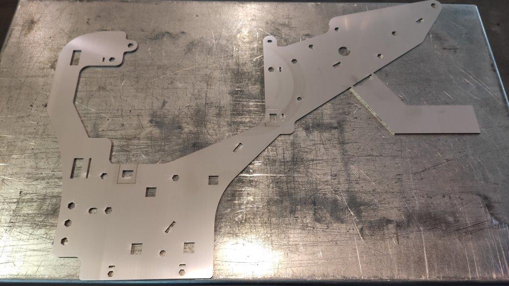 pièce inox en tôle perforée par découpe laser