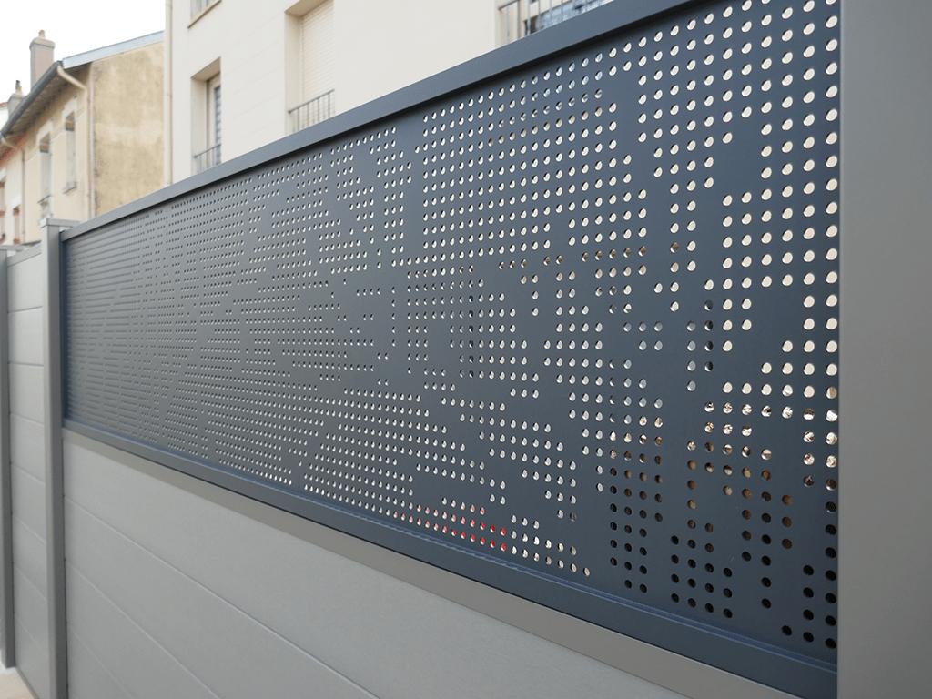 Tôlerie perforée : exemple de tôle perforée décorative